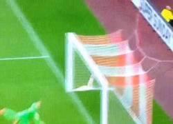 Enlace a GIF: El GOLAZO de Lens ante el West Ham