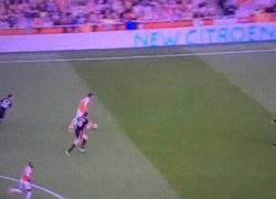 Enlace a GIF: Mientras tanto, Özil en clase de Hogwarts