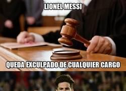 Enlace a Messi y el juez