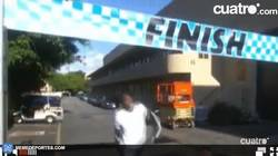 Enlace a GIF: El niño que retó a Bolt y le ganó