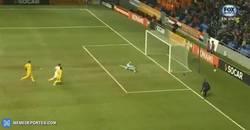 Enlace a GIF: Gol de Wijnaldum que pone el 0-1 para Holanda ante Kazajistán