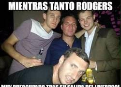 Enlace a Rodgers intentando olvidar al Liverpool