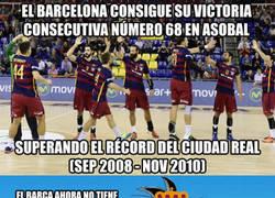 Enlace a Sigue el monopolio del Barcelona en el balonmano español