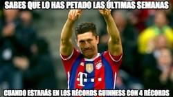 Enlace a Lewandowski consigue cuatro récords Guinness de una tacada