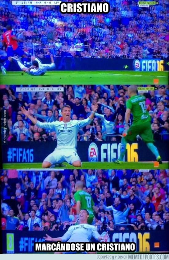 711458 - No es un partido del Madrid si Cristiano no busca un penalti