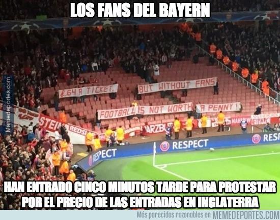 714678 - El mensaje de los aficionados del Bayern en el Emirates