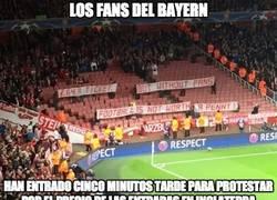 Enlace a El mensaje de los aficionados del Bayern en el Emirates