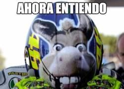 Enlace a Ahora entiendo lo del casco de Rossi
