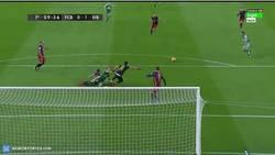 Enlace a GIF: El Eibar se adelanta en el marcador con gol de Borja Bastón frente al Barça