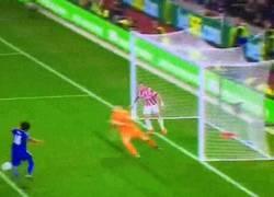Enlace a GIF: ¡Gol de Remy en el último minuto que alargaba el partido a la prórroga!