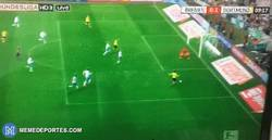 Enlace a GIF: El gol de Reus frente al Werder Bremen