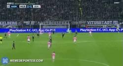 Enlace a GIF: ¡Empata la Juve con gol de Lichsteiner tras una excelente asistencia de Pogba!