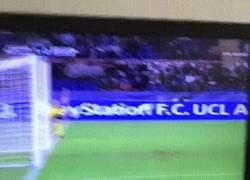 Enlace a GIF: Gol de Salah al Leverkusen en el minuto 2