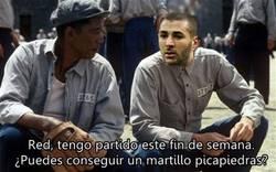 Enlace a Benzema ya prepara su salida de su detención en Francia