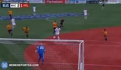 Enlace a GIF: El Cosmos entró a la final de la NASL con este gol de Raúl