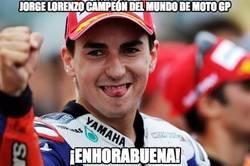 Enlace a ¡Lorenzo tricampeón del mundo!