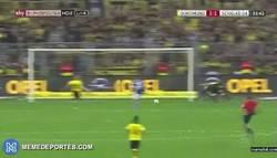 Enlace a GIF: Huntelaar marca el empate en el derbi
