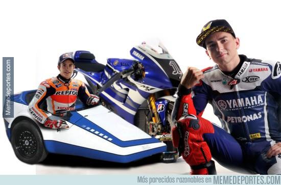 729333 - Yamaha presenta la moto de Lorenzo para 2016