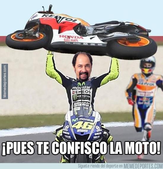 729833 - El Señor Rossi vengándose de Márquez