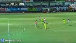 Enlace a GIF: Golazo al 'estilo Neymar' en el fútbol de Chipre