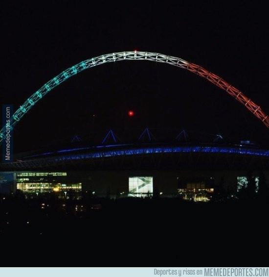 733152 - Estadio de Wembley ahora mismo #TodosSomosFrancia