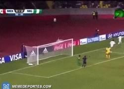 Enlace a GIF: El mejor gol del Mundial sub 17 por Diego Nieves