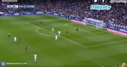 Enlace a GIF: Gooooolazo de Suárez 0-4 en el marcador. ¡INCREÍBLE!