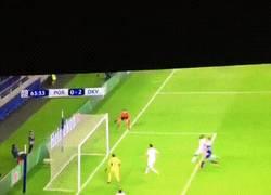 Enlace a GIF: La tremenda cantada de Casillas en el segundo del Dinamo de Kiev