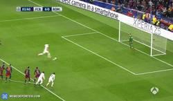 Enlace a GIF: Y Ter Stegen para el penalti, partidazo del Barça en todos los sentidos