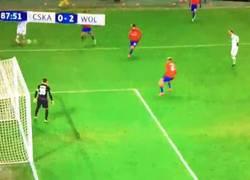 Enlace a GIF: Gol de Schürrle para darle la victoria al Wolfsburg por 2-0
