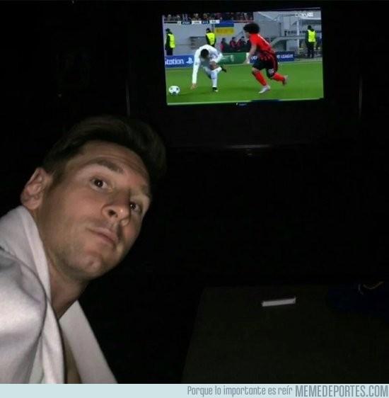 743449 - Messi disfrutando con los regates de Cristiano