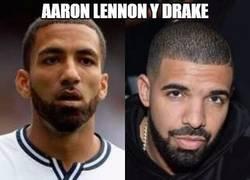 Enlace a Aaron Lennon y Drake, separados al nacer