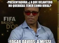 Enlace a Edgar Davids retando a Cristiano