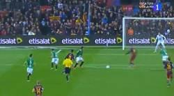 Enlace a GIF: Y Sandro pone el 3-1 ante el Villanovense