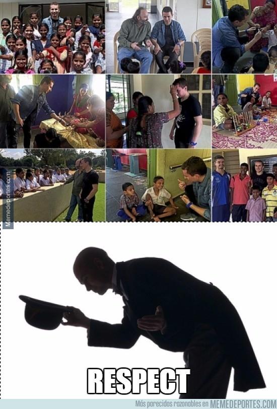 750875 - Jorge Lorenzo ayudando en África. #Respect