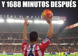 Enlace a Y 18 partidos (1688 minutos) después, Luis Hernández recibió una tarjeta