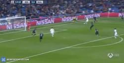 Enlace a GIF: Cuarto gol de Cristiano, está imparable hoy el portugués