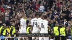 Enlace a GIF: La imagen del partido: Arbeloa y sus compañeros celebran con Cheryshev el cuarto gol