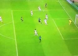 Enlace a GIF: Gol de Giroud, necesitan 2 más para clasificarse