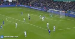 Enlace a GIF: Gol de Vardy al Chelsea, se adelanta en el marcador el Leicester