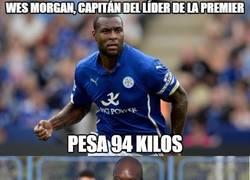 Enlace a A Akinfenwa le gusta el capitán del Leicester
