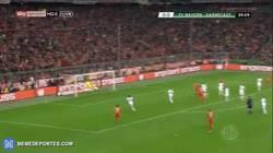 Enlace a GIF: El 'bombazo' de Xabi Alonso en la DFB Pokal ! ¡Vaya golazo!