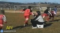 Enlace a GIF: Cuando tu entrenador te deja en el banquillo