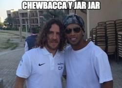 Enlace a Chewbacca y Jar Jar en el preestreno de Star Wars