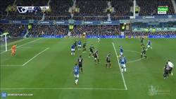 Enlace a GIF: Gol de Lukaku ante el Stoke City que empata el partido