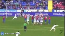 Enlace a GIF: Golazo de Duda para darle la victoria al Malaga ante Levante