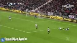 Enlace a GIF: Atención al golazo de Carles Gil ante el Sunderland