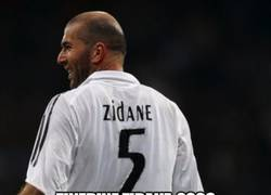 Enlace a Últimos 3 jugadores en retirarse del fútbol profesional en el Real Madrid. LEYENDAS