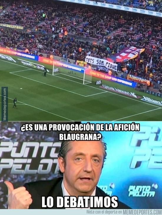 778221 - Pancarta del Camp Nou apoyando a Piqué