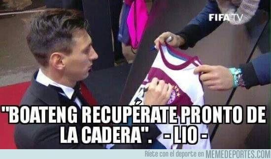 779902 - Messi le envía un mensaje a Boateng.